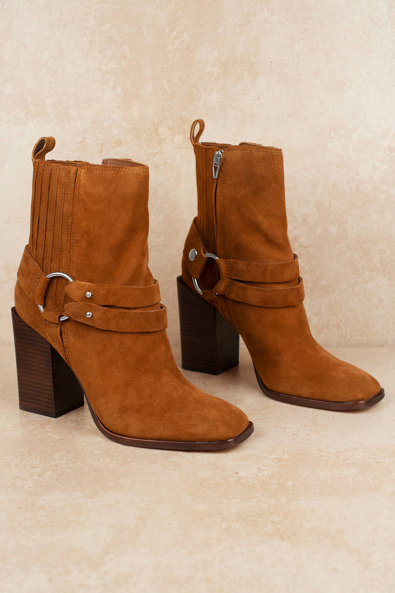 Isara High Heeled Chelsea Boots